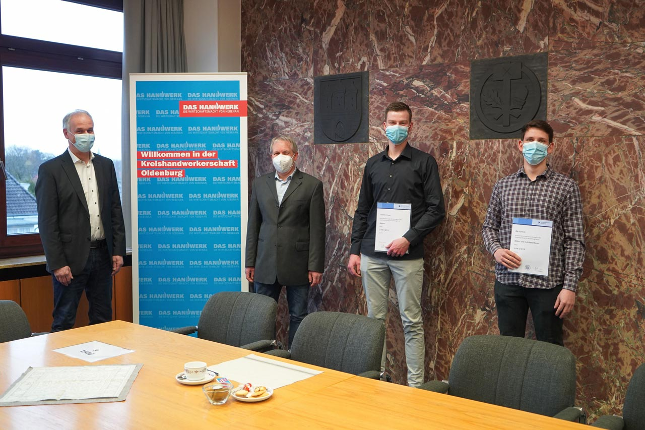 Dirk Barkemeyer, Heiko Posegga, Thorben Kruse und Ole Juchem bei der Ehrung der Handwerkskammer Oldenburg.