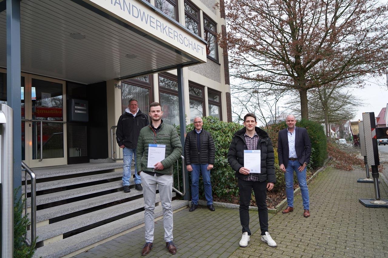 Wir sind stolz auf Thorben Kruse und Ole Juchem, die ihre Gesellenprüfung als Maurer und Stahl- und Betonbauer mit der Note sehr gut abgeschlossen haben.